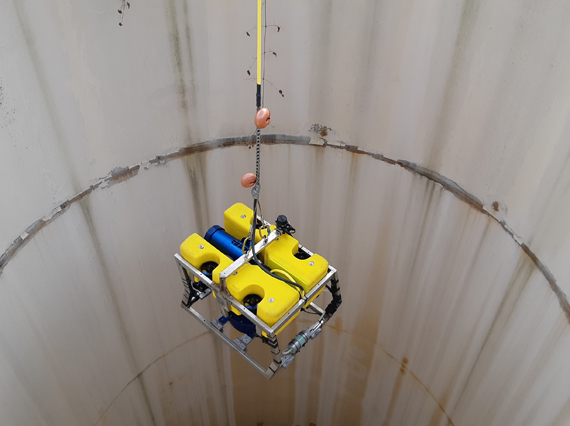 The 50kg ROV is lowered deep inside the Ridracoli dam